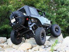 Jeep, rock climbing