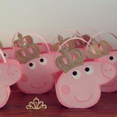 Bolsinhas Peppa Pig. www.atelielacosdourados.blogspot.com.br
