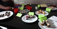 mini cupcakes for Tasters. Mini Cupcakes, Pudding, Desserts, Food, Tailgate Desserts, Deserts, Custard Pudding, Essen, Puddings