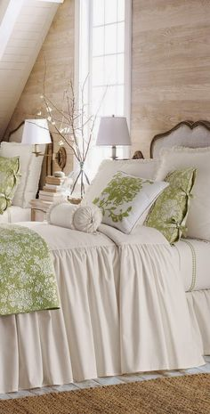 this farmhouse bedroom, great decor all around! Cute for guest bedroom or older child. Home Bedroom, Girls Bedroom, Bedroom Decor, Bedroom Ideas, Bedroom Inspiration, Design Bedroom, Master Bedroom, Bedroom Colors, Decoration Shabby