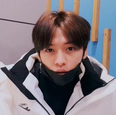 Lee Minho Stray Kids, Lee Know Stray Kids, Kids Icon, Baby Dinosaurs, Left And Right Handed, Korean Bands, Lee Min Ho, Kpop Boy, Boyfriend Material
