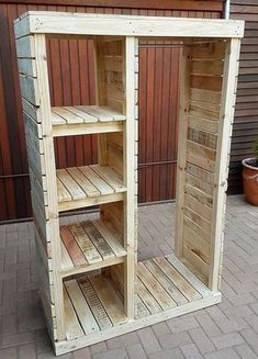 Pallet Furniture Projects Keeping in mind the ideas we have gathered here, whoever starts reshaping the wooden pallets will end up in awesome accomplishments which every visitor will praise. Either a person wants to decorate…More Wooden Pallet Projects, Wooden Pallet Furniture, Wooden Pallets, Wooden Diy, Rustic Furniture, Furniture Design, Diy Projects, Furniture Ideas, Project Ideas