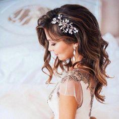 Bridal Hair Down, Wedding Hair Down, Bridal Hair Pins, Hair Comb Wedding, Wedding Hair And Makeup, Wedding Hair Accessories, Wedding Veils, Bridal Headpieces, Wedding Garters