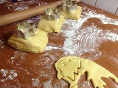 Χριστουγεννιάτικα μπισκοτάκια βουτύρου Sugar, Cookies, Cake, Desserts, Food, Crack Crackers, Pie, Postres, Biscuits