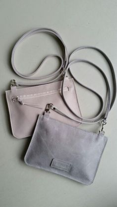 Shoulderbags, leather