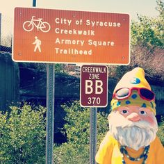 #PoeTheGnome contemplates not being lazy and doing the Creekwalk in #Syracuse. #nottoday #startmyexerciseroutinetomorrow #armorysquare #gnomes