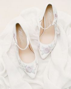 @bellabelleshoes might be the dreamiest shoes on the bridal market to date! I just cant get over this embroidery and design by @joyproctor  Photographed for @thestylebox.ca Textile by @tonoandco on an @heirloombindery styling board.