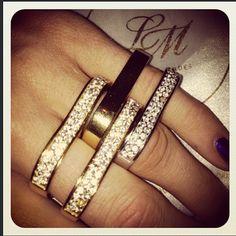 Lotus Mendes two finger rings <3