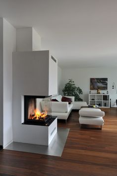Cheminée 3 pages # fireplace Check more at fireplace console idea . - Chemistry 3 pages # fireplace Check out more at fireplace console idea …. Home Fireplace, Fireplace Remodel, Modern Fireplace, Living Room With Fireplace, Fireplace Design, Home Living Room, Living Room Designs, Fireplace Ideas, Kids Room Design