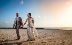 https://flic.kr/p/Eqtg6p | Barbados Beach Wedding | I had the privilege of shooting a beautiful wedding on the gorgeous Island of Barbados. The couple are British but the groom had a Bajan background and the bride was of Sri Lankan heritage. Strobist - 1 x Nikon SB910 camera left, bare, on full power. Triggered with Yongnuo 622n-tx www.edpereira.com