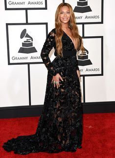 Beyonce Is Already a Big Winner on Grammys 2015 Red Carpet: Photo Beyonce hits the red carpet looking absolutely stunning at the 2015 Grammy Awards held at the Staples Center on Sunday (February in Los Angeles. Destiny's Child, Beyonce Pictures, Award Show Dresses, Plunge Dress, Blue Ivy, Gown Photos, Beyonce Knowles, Great Women, Celebs