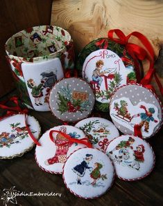 Just Cross Stitch, Cross Stitch Finishing, Cross Stitch Baby, Cross Stitch Charts, Cross Stitch Designs, Cross Stitch Patterns, Loom Patterns, Christmas Sewing, Christmas Embroidery