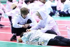 Tucking in Jin-eomma? XD There's Ken-jumma too XD