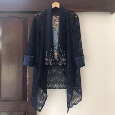 Kebaya Lace, Kebaya Hijab, Kebaya Dress, Dress Muslim Modern, Kebaya Modern Dress, Modest Fashion Hijab, Indian Fashion Dresses, Fashion Outfits, Model Dress Batik