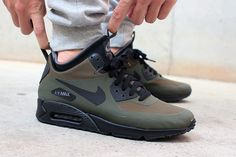winterized-air-max-90-sneakerboot-olive-black-02