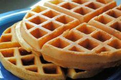 Experimenta en tu cocina : Waffles de cebollín con queso cheddar y tocino