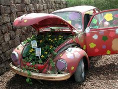 My neighbors should do this with their vw van that's rotting in the field! It already had peace signs painted all over it! Maybe they'll see this pin. :)