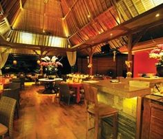 rondji restaurant, ubud   Right in the heart of Ubud city, stands tall Rondji Restaurant. This restaurant is still associated with the completeness of the existence of The Blanco Museum. It named after Don Antonio Blanco's  wife, Ni Rondji. Furthermore, Rondji Restaurant and museum is symbolically 'married couples' Don Antonio Blanco and Ni Rondji.