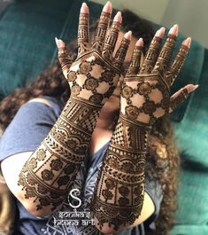 Tammy's bridal henna! Net inspired by ———————————————————————— For rates and availability contact us at:… Traditional Mehndi Designs, Full Hand Mehndi Designs, Modern Mehndi Designs, Bridal Henna Designs, Mehndi Design Pictures, Beautiful Henna Designs, Latest Mehndi Designs, Bridal Mehndi Designs, Henna Tattoo Designs