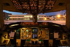Boeing 767-341/ER aircraft picture