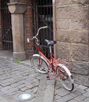 Bici-vici. Blog en el qual es comparteix tot tipus d'informació sobre el món de la bicicleta: rutes, sortides, bici-activisme, webs, mobilitat sostenible, mecànica, entre d'altres.