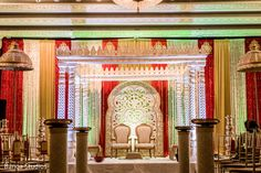 Floral & Decor http://www.maharaniweddings.com/gallery/photo/31019