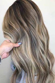Trendy Hair Color Picture DescriptionThese days blonde balayage is not something simple that you are used to. Time does not stay still and hair fashion moves further forward with each day! Blond Ombre, Ash Blonde Hair, Blonde Balayage, Dark Hair, Beige Blonde, Hair Color 2017, Cool Hair Color, Hair Colors, Carmel Hair Color