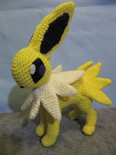 Jolteon Pokemon Pattern par NerdyKnitterDesigns sur Etsy