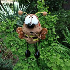 can also be used as a garden plug with a wooden handle … Material: Ton, Glasur. Ceramic Pottery, Ceramic Art, Crafts To Do, Wood Crafts, Pottery Animals, Garden Deco, Ceramics Projects, Clay Animals, Ceramic Flowers