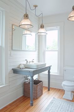 MAKE KING: Modern farmhouse bathroom.