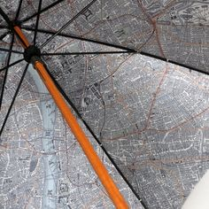 Map-Lined Umbrella by London Undercover / For Londoners to have a better feel of style during monsoons, the London Undercover brand has finally come forth with this charming Map-Lined Umbrella.  http://thegadgetflow.com/portfolio/map-lined-umbrella-london-undercover/