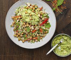 Matvete med blomkål, mynta, rostade kikärter, mandel och avokado | Recept ICA.se