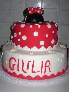 Torta di compleanno tema minny per la piccola Giulia!