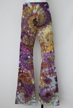 $52 - Tie dye Yoga Pants ice dyed size Large   Na's by ASPOONFULOFCOLORS Find this item on https://www.etsy.com/shop/ASPOONFULOFCOLORS?ref=hdr_shop_menu