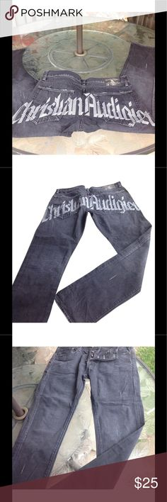 Christian audigier Mens jeans size 34x32 Mens vintage Christian audigier black distressed wash jeans with large graphic print at back size 34x32 great vintage Preowned condition length approx 41 inches Christian Audigier Jeans Slim Straight