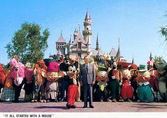 Great Disney vintage ephemera - postcards Disneyland Vintage, Disney Vintage, Parc Disneyland, Disneyland Ideas, Disneyland Castle, Disneyland Tickets, Disneyland Vacation, Disney Family, Disney Love