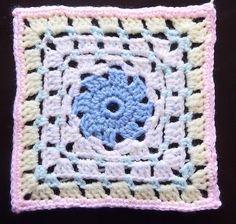Pinwheel square, free pattern by Mandy Greatbatch of cheerymishmash; pic from Ravelry: Project Gallery by mktspahl   . . . . ღTrish W ~ http://www.pinterest.com/trishw/ . . . . #crochet