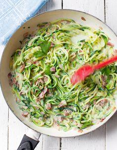 Spaghetti z cukinii z boczkiem i sosem śmietanowym a'la carbonara