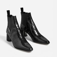 Image 1 of EMBOSSED LEATHER HIGH HEEL ANKLE BOOTS from Zara