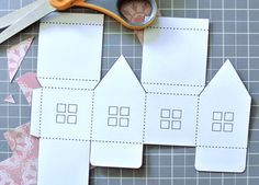 How to Make a Paper House- Free House Template Diy And Crafts, Crafts For Kids, Paper Crafts, Foam Crafts, Paper Toys, Tree Crafts, Easy Crafts, Christmas Paper, Christmas Ornaments