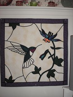 Stained glass quilt Mosaic Crafts, Mosaic Art, Mosaic Glass, Glass Art, Stained Glass Quilt, Stained Glass Projects, Japanese Quilts, Thread Painting, Quilted Wall Hangings