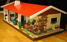 Our Collection by Lisbeth and Kjell-Åke Arneberth - Dolls' Houses Past & Present