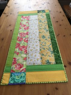 Pretty Spring Fabrics in this Table Runner Patchwork Table Runner, Table Runner And Placemats, Table Runner Pattern, Quilted Table Runners, Quilting Projects, Quilting Designs, Sewing Projects, Christmas Runner, Quilted Table Toppers