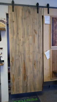 Eco Friendly Pickled Rustic Alder Finished With Water Borne Satin Lacquer
