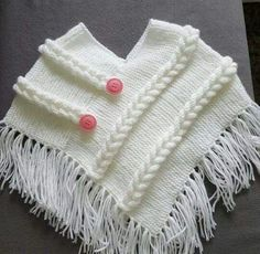 How to make a triangle poncho for children? Knitted poncho with . Crochet Baby Poncho, Crochet Poncho Patterns, Knitted Poncho, Baby Knitting Patterns, Knit Crochet, Knitting Tutorials, Crochet Pattern, Toddler Poncho, Girls Poncho