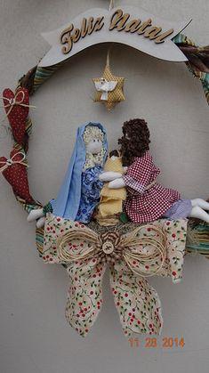 Xmas Crafts, Christmas Ornaments, Holiday Decor, Trending Crafts, Felt Wreath, Christmas Crafts, Wreaths, Christmas Decor, Embellishments