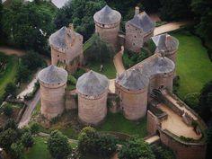 Lassay-les-Chateaux, Mayenne, Pays le la Loire