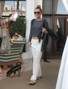 Miley Cyrus Photo - Miley Cyrus Checks Out In Miami
