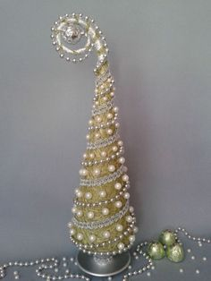 images attach c 7 95 542 Jeweled Christmas Trees, Cone Christmas Trees, Christmas Tree Crafts, Christmas Minis, Diy Christmas Ornaments, Christmas Projects, Winter Christmas, Holiday Crafts, Christmas Time