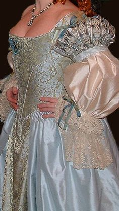 blue-gold brocade silk seventeenth century dress with slashed sleeves Renaissance Dresses, Renaissance Fashion, Medieval Dress, Vintage Gowns, Vintage Outfits, Vintage Fashion, Gothic Fashion, Beautiful Gowns, Beautiful Outfits